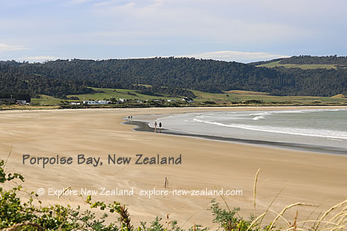 Wide Sandy Beach at Porpoise Bay, Catlins, Southland, New Zealand